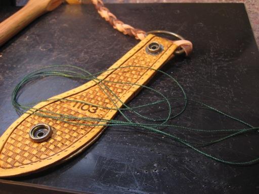 革縫い(糸準備2