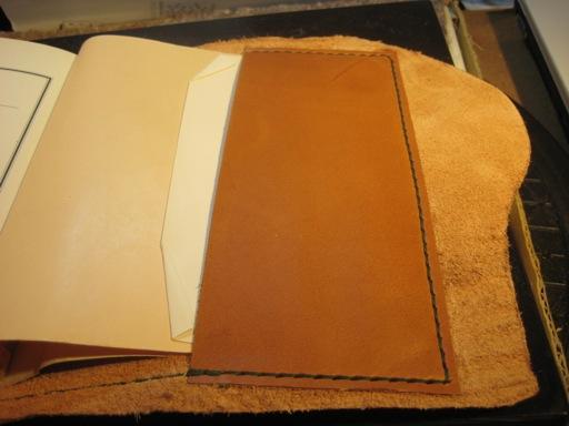 革ブックカバー押さえ縫い反対側