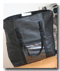 大きな黒バッグ