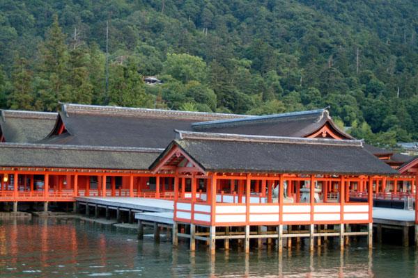 厳島神社12本殿