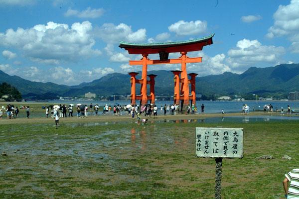 厳島神社干潮2