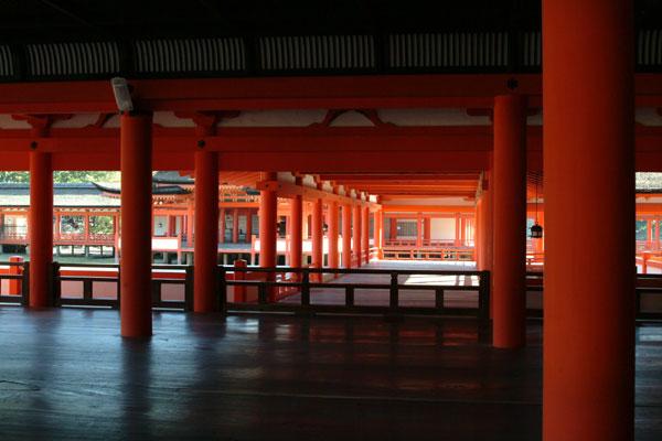 厳島神社参拝10廊下
