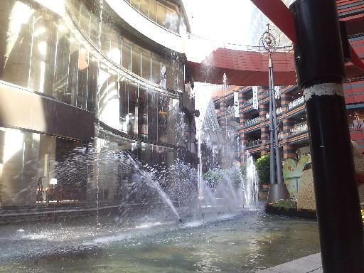 キャナルの噴水