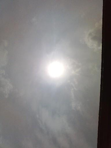 日食開始直後の太陽☆