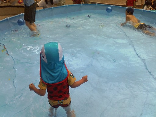 保育園のプール開放2009