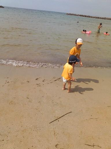 新宮神社そばの海岸