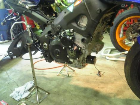GSX-R1000K7 エンジン
