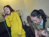 ボーカル受講者の太田朋子さんと講師g村山義光氏