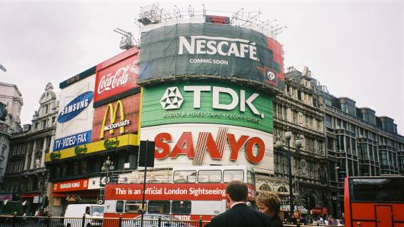 piccadilly_circus.jpg