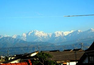 窓からの立山