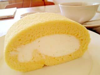 Sacra Cafe. ロールケーキ