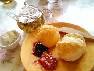 La Table De Izumi スコーン+紅茶