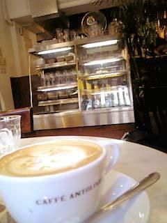 CAFFE ANTOLOGIA 内装