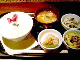 kurage 和カフェ yusoshi ランチ