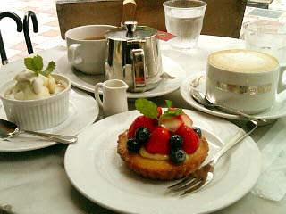 Mother Moon Cafe ケーキ