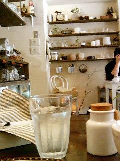 BOWLS cafe 雰囲気