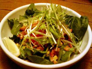 モボ・モガ ほうれん草とベーコンのサラダ
