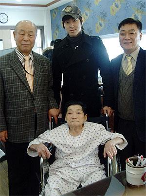 ユノ 100106 病院
