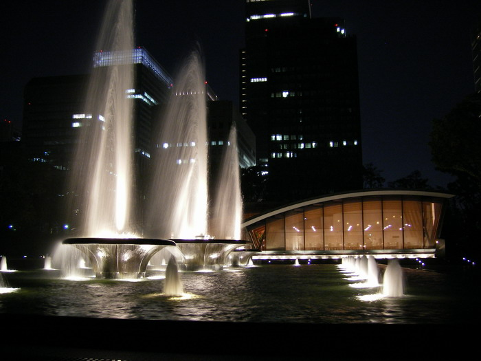和田倉噴水1
