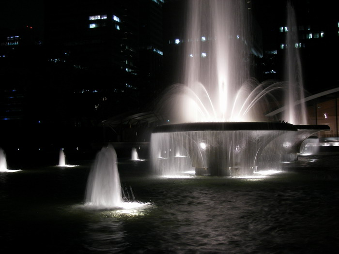和田倉噴水2