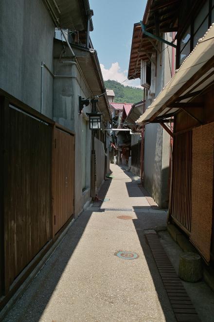 木曽福島 裏道 小道 路地 夏