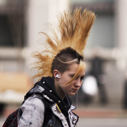 flaming-arrow-fanned-mohawk-hairstyle.jpg