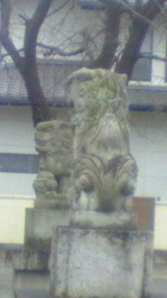 ツガイの狛犬です。