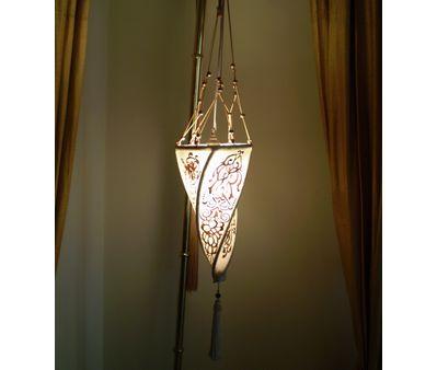 lampshade-hanging.jpg