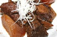 すじ肉とダイコンの煮込み