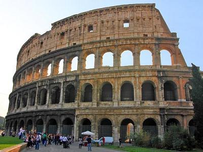 08roma_Colosseo1m.jpg