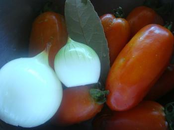トマトソース 材料1