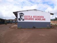 エドゥアルド・モンドラーニ中等教育校