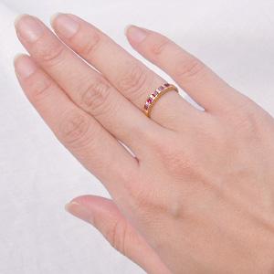 手が大きくても、石が派手だから使える。
