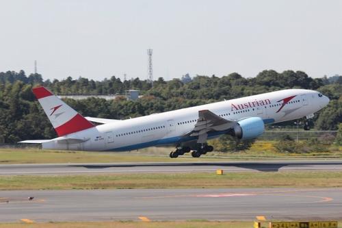 AUA-OE-LPD-Boeing-777-2B8-ER-NRT-124813_img_640_194.jpg