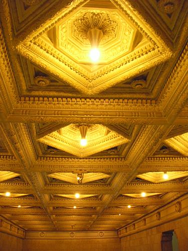 ダイビルホール天井