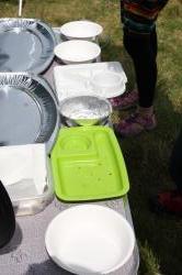 パスタ待ちの皿たち