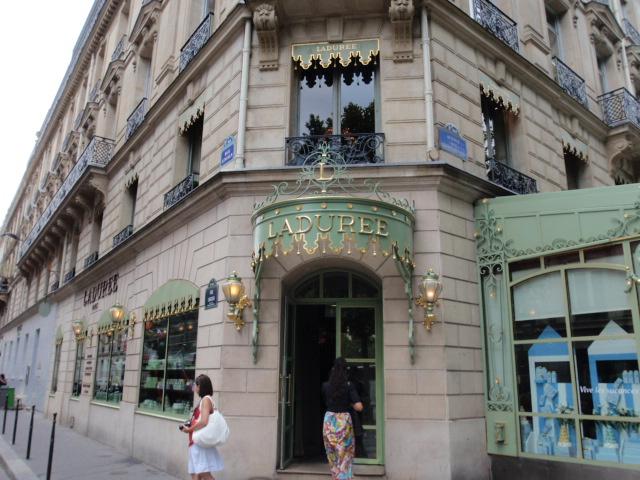 8.AUGY.2010 Dover-Paris 165