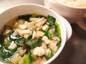 タラとレタスのコンソメスープ