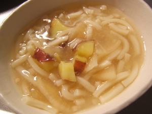 大根の味噌汁うどんさつま芋入り