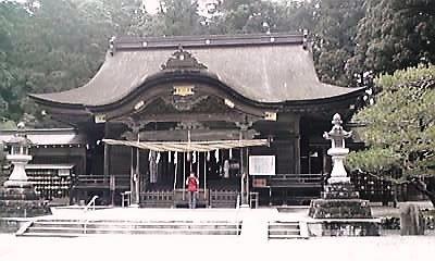 小国神社本殿