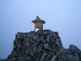 奥穂高岳頂上の祠