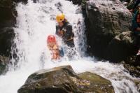 2008ラフ みっちゃん滝にうたれる