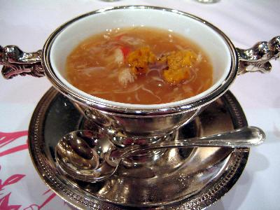 フカヒレとうにのスープ