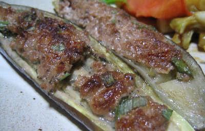 茄子焼いて挽肉のっけて