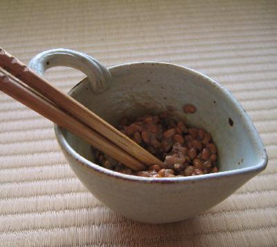 納豆専用の器と箸