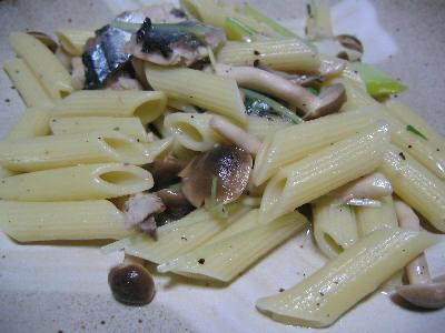 秋刀魚とキノコのパスタ