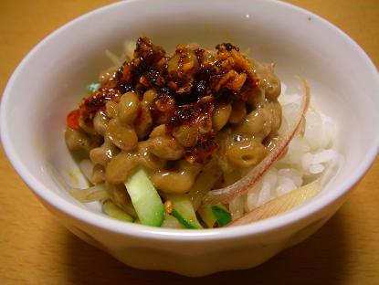 ラー油納豆丼