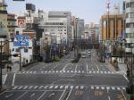 駅前通り。宇都宮市街のメインストリート。さすがに中心部方面はビルが多い。