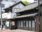 庚申塚商店街は古き良きたたずまいの商店も多く残り、なかなか風情がある。