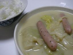 ご飯に合うロールキャベツシチュー。